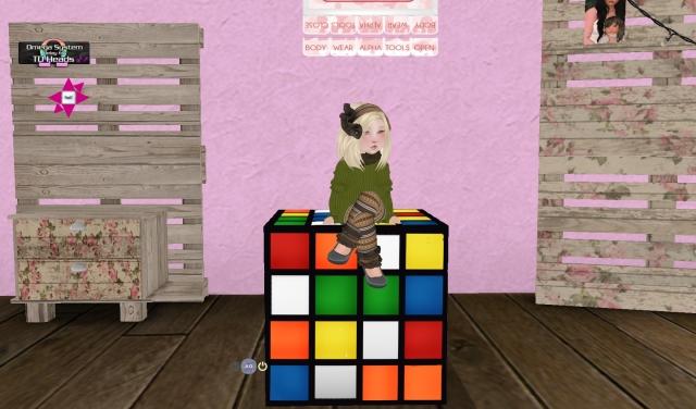 Shop Hop Rubix Cube_001
